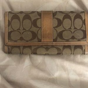 Coach used Tan/brown wallet